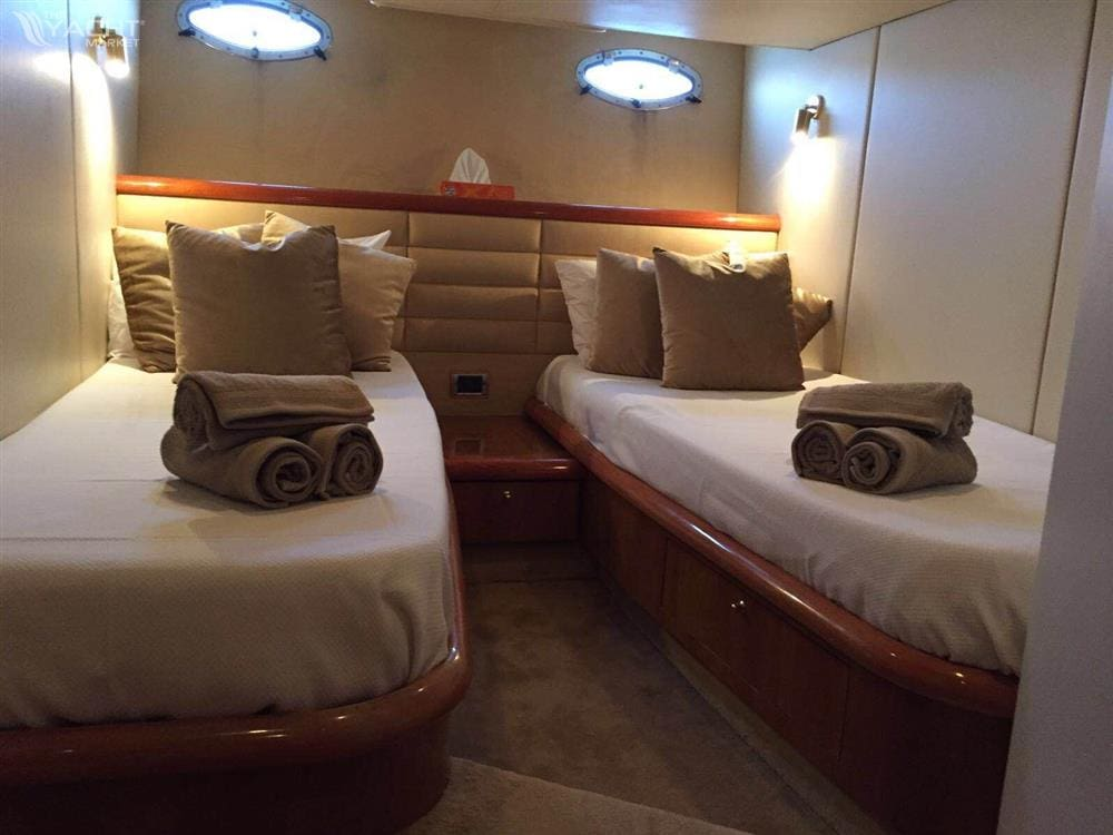 Sunseeker 50 Camargue - Aft bedroom